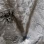 V: a hamu nyomai a hóban egy ma is aktív orosz vulkán mellett.